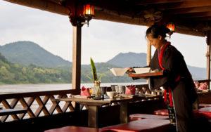 Обед на лодке, Луанг Прабанг