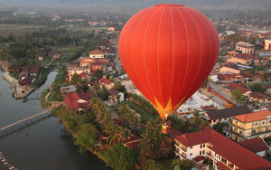 Воздушные шары, Ванг Вьенг