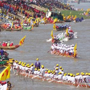Фестиваль лодок в Лаосе